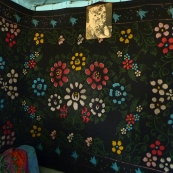 Siberia: carpet in Estonian home in Ülem-Suetuk